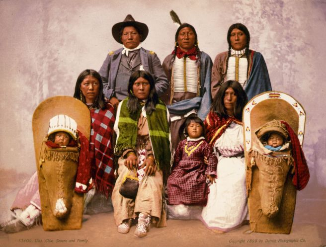 Wikipedia 1024px-Utes_chief_Severo_and_family,_1899